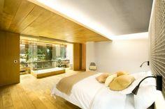 Gewerbefläche zu einer modernen Loftwohnung mit Innengarten umgebaut