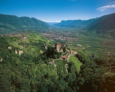 A view of Schloss Tirol, with Brunnenburg to the left. THe Valley and mountains