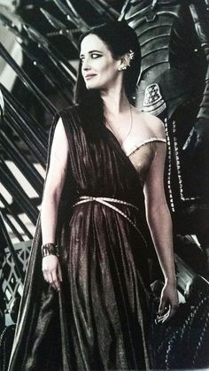 Eva Green, 300 Rise of an Empire Eva Green 300, Ava Green, Eva Green Penny Dreadful, Actress Eva Green, French Actress, Gold Dress, Hollywood Actresses, The Dreamers, Empire