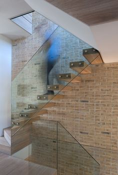 A similar concept has been adapted below to create an interesting modern take on the industrial stair case design. Through the simple change in materiality, ...