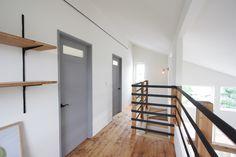 室内ドア事例集(こちらをクリック後に一覧が表示されます)|写真集|自然素材の注文住宅なら茨城県全域対応の工務店|エフリッジホーム Stairs, Doors, Home Decor, Stairway, Decoration Home, Room Decor, Staircases, Home Interior Design, Ladders