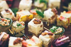Ready to host your next summer party! If you're looking for some ideas for some seriously tasty appetizers, why not check out these 15 easy recipes! Wine Appetizers, Easy To Make Appetizers, Appetizers For A Crowd, Easy Appetizer Recipes, Holiday Appetizers, Yummy Appetizers, Holiday Recipes, Easy Recipes, Sour Taste