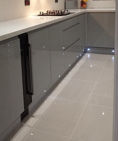 large white kitchen floor tiles  We put shiny white tiles in our     32 Modern Kitchen Decoration with Grey Floor Kitchen   Coo Architecture