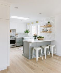 5 Small Kitchen Layout Ideas That Dare to Defy Your Lack of Square Footage & Hunker 5 Small Kitchen Layout Ideas That Dare to. The post 5 Small Kitchen Layout Ideas That Dare to Defy Your Lack of Square Footage Home Decor Kitchen, New Kitchen, Home Kitchens, Kitchen Dining, Rustic Kitchen, Small Kitchen With Island, Kitchen Modern, Kitchen Hacks, Simple Kitchen Design