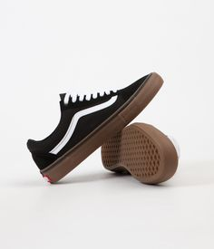 Vans Old Skool Pro Shoes - Black / White / Medium Gum
