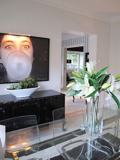 Black & White Large Photography Design, Pictures, Remodel, Decor and Ideas - page 7 Interior Design Advice, Interior Design Inspiration, Design Ideas, Style Inspiration, Osborne And Little Wallpaper, Bungalow Interiors, Dining Room Design, Dining Rooms, Dining Table