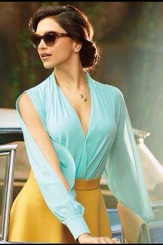 Deepika Padukone was called a 'Bollywood blunder', now she has given it back in style! Deepika Ranveer, Deepika Padukone Style, Indian Celebrities, Bollywood Celebrities, Bollywood Suits, Beautiful Bollywood Actress, Beautiful Actresses, Dipika Padukone, Queen