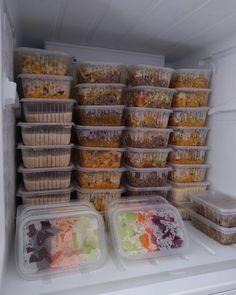 Easy Meal Prep, Healthy Meal Prep, Easy Healthy Recipes, Easy Meals, Healthy Fridge, Healthy Smoothies, Healthy Lunches For Work, Meal Prep For Beginners, Fridge Organization