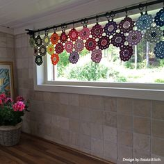 Crochet curtain of Japanese Flowers by BautaWitch  Pattern in Swedish: http://BautaWitch.se                                                                                                                                                                                 More