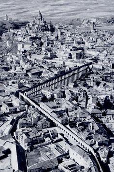 Resultado de imagen de vista aerea acueducto segovia