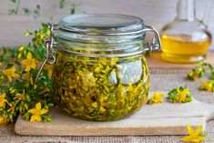 Numerous herbs and plants have been used for centuries as natural remedies, but if you're interested in alternative medicine, it can be tricky to know where to start. Here are 9 of the most popular herbal medicines. Remedies For Nausea, Herbal Remedies, Health Remedies, Natural Remedies, How To Relieve Nausea, Alternative Treatments, Alternative Therapies, Natural Supplements, How To Make Tea