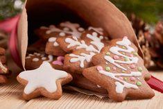 Zelf kerstkoekjes bakken ideeën en tips - AllinMam.com Gingerbread Cookies, Christmas Cookies, Buy Cake, Christmas And New Year, Cake Decorating, Food Porn, Christmas Decorations, Sweets, Snacks