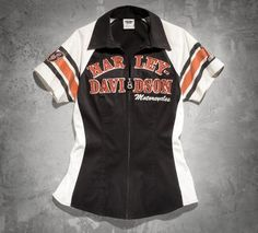 We make the clothes to accomodate your mantra. The Women's Iconic Short-Sleeve Woven Shirt is proof. Pair with Harley-Davidson® bootcut jeans and biker boots for an enviable rally ensamble. Harley Davidson Tank Tops, New Harley Davidson, Coral Shirt, Embellished Jeans, White Casual, Shirt Blouses, Black Tops, Long Sleeve Shirts, Clothes For Women