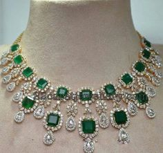 If it has to be an Emerald necklace, it should be this or nothing!!!!