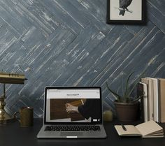 A fun and inviting shade that works well as a highlight, our Blue Ocean mywoodwall™ wood paneling can create a feature wall that stands out in any room. Timber Wall Panels, Timber Walls, Timber Panelling, Wood Panel Walls, Wood Paneling, Plasterboard Wall, Diy Wood Wall, Water Based Stain, Ocean Colors