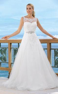 Brudekjole med blonder og strop
