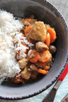 Sauté de veau aux champignons & carottes Lolo, Pot Roast, Dinner, Ethnic Recipes, Lactose, Flan, French, Table, Home