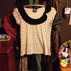 Rockabilly Bow Top Lovely little cream top, with a retro wide collar and sweet bow details and print. Very soft, very stretchy. Brand new, never worn! ModCloth Dresses