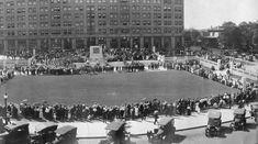 Rodney Square, Wilmington, Delaware.  1921.  Memorial Service.  1325-000-036 #332.  Delaware Public Archives.  archives.delaware.gov