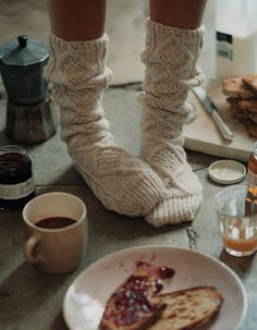 cozy socks // breakfast