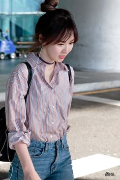 Wendy Channels Her Inner Tiffany With Latest Airport Outfit — Koreaboo Kpop Fashion, Korean Fashion, Fashion Outfits, Airport Fashion, Seulgi, Pink Haircut, Wendy Red Velvet, Park Sooyoung, Velvet Fashion