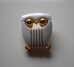 1960's Mod Owl Trifari White and Gold by eclecticappealjewels, $55.00