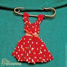 Купить Брошь из бисера Платье в горошек - ярко-красный, брошь из бисера, брошь ручной работы