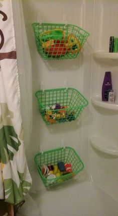 Bath toy storage I need to do this for J's bath toys Bath Toy Storage, Kids Storage, Bedroom Storage, Storage Design, Craft Storage, Storage Ideas For Kids, Creative Toy Storage, Camper Storage, Storage Area