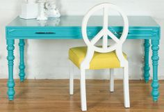 i wish i had both the table and chair! so much! LOVE! <3
