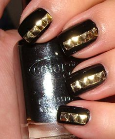 Awesome Extreme Nails Guide: 36 Trendy Nails With Golden Designs