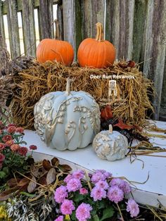 No carve pumpkin ideas. Easy DIY fall pumpkin decorations for your front porch. I've always loved fall, and fall decor is one of my favorite things to make! Every September, I go to Wal-Mart and grab about foam pumpkins of all different sizes. Dollar Tree Pumpkins, Plastic Pumpkins, Foam Pumpkins, Glass Pumpkins, Painted Pumpkins, Pumpkin Topiary, Pumpkin Carving, Pumpkin Mold, Preserving Pumpkins
