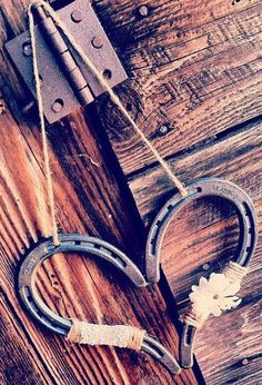 Rustic Wedding Heart Horseshoe #diy #idea #country #wedding