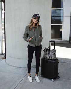 Look-Chic/ airport attire, comfy airport outfit, airport travel outfits Comfy Airport Outfit, Airport Travel Outfits, Airport Attire, Comfy Travel Outfit, Winter Travel Outfit, Airport Chic, Airport Outfit Spring, Traveling Outfits, Airport Fashion