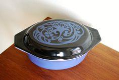 Vintage Pyrex Midnight Bloom Promotional 043 1.5 quart with lid black blue