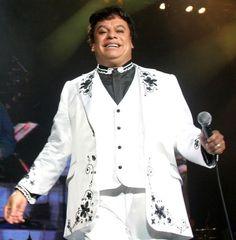 """Armario de Noticias: Juan Gabriel lanza su nuevo álbum """"Los Dúo"""""""