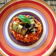 we love veggie: Tomatenrisotto mit Melanzani-Mozarella Röllchen Food Blogs, Vegan, Tacos, Veggies, Mexican, Ethnic Recipes, Vegetarian Chili, Eat Clean Lunches, Food Food