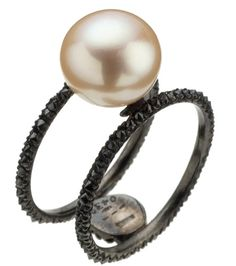 Dream ring. Black pearl though...