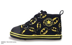 CONVERSE BABY ALL STAR Batman RZ Batman Baby Clothes, Big Boy Clothes, Baby Batman, Batman Nursery, Baby Boy Outfits, Kids Outfits, Hipster Babies, Baby List, Boy Shoes