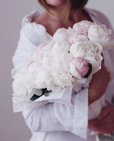 Photo November 26 2019 at womens fashion style hats shoes minimal simple dress ootd summer comfortable for her ideas tips street Flower Girl Photos, Spring Ahead, White Beige, Pure White, Floral Bouquets, Peonies Bouquet, Flower Power, Beautiful Flowers, Tumblr