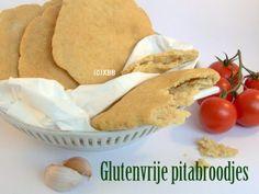 Glutenvrije pitabroodjes bakken