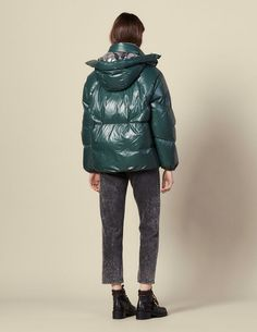 Newsletter Registration on the official Sandro Paris e-shop - Find the Men's and Women's collections. White Ducks, Duck Down, Padded Jacket, Viera, Men's Collection, Sandro, Coats For Women, Winter Jackets, Urban