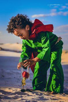 Com as belas paisagens da ilha de Florianópolis (SC), a fotógrafa Mari Merlim traduziu em imagens a história do principezinho de Antoine de Saint-Exupéry.