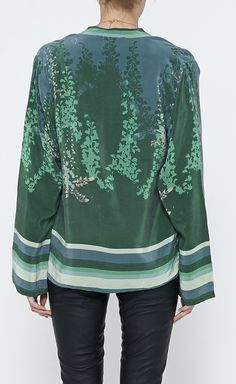 Winter Kate Green And Multicolor Top   VAUNTE