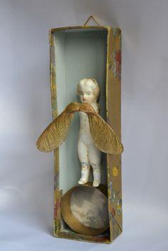 """""""ruheengel"""" assemblage, art box by papiertänzerin."""