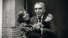 Elena Poniatowska con Gabriel García Márquez, en una foto de su álbum personal…