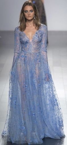 SPRING 2018 READY-TO-WEAR Tadashi Shoji • follow Maude and Hermione on Pinterest for more great pinspirations!