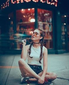 "15 photo ideas as a model for your friend ""the aspiring photographer"" – … - Art Girl Photography Poses, Creative Photography, Fashion Photography, Street Photography, Scenery Photography, Photography Lessons, Beauty Photography, Shotting Photo, Insta Photo Ideas"
