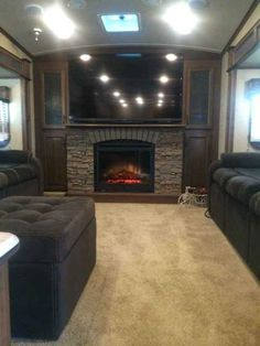 """2014 Used Jayco Eagle Fifth Wheel in Alabama AL.Recreational Vehicle, rv, 2014 Jayco Eagle Premier 371FLFS 5th Wheel for sale. Excellent / Like New condition. Selling because had an employment change shortly after purchasing and no longer have enough time to RV to justify keeping the unit. Living room is in the front area with two sofas, an electric fireplace heater, and 60"""" Sharp flatscreen television. Five slideouts total: 2 in the livingroom, 1 in the kitchen, and 2 in the bedroom…"""