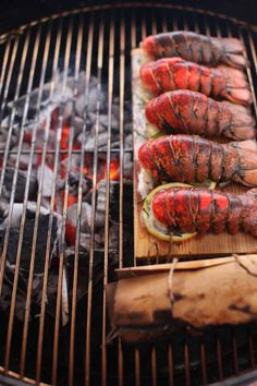 Cedar plank grilled lobster tails with chive lemon aioli. Shrimp And Lobster, Grilled Lobster, Grilled Seafood, Lobster Tails, Lobster Meat, Barbecue Recipes, Grilling Recipes, Cooking Recipes, Grilling Ideas