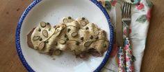 Si te gusta la casquería pero no sabes muy bien cómo tomarla durante los meses de calor –cuando la cuchara se reserva para el gazpacho–, apúntate a esta versión rápida, sencilla y muy fresca del  vitello tonnato .